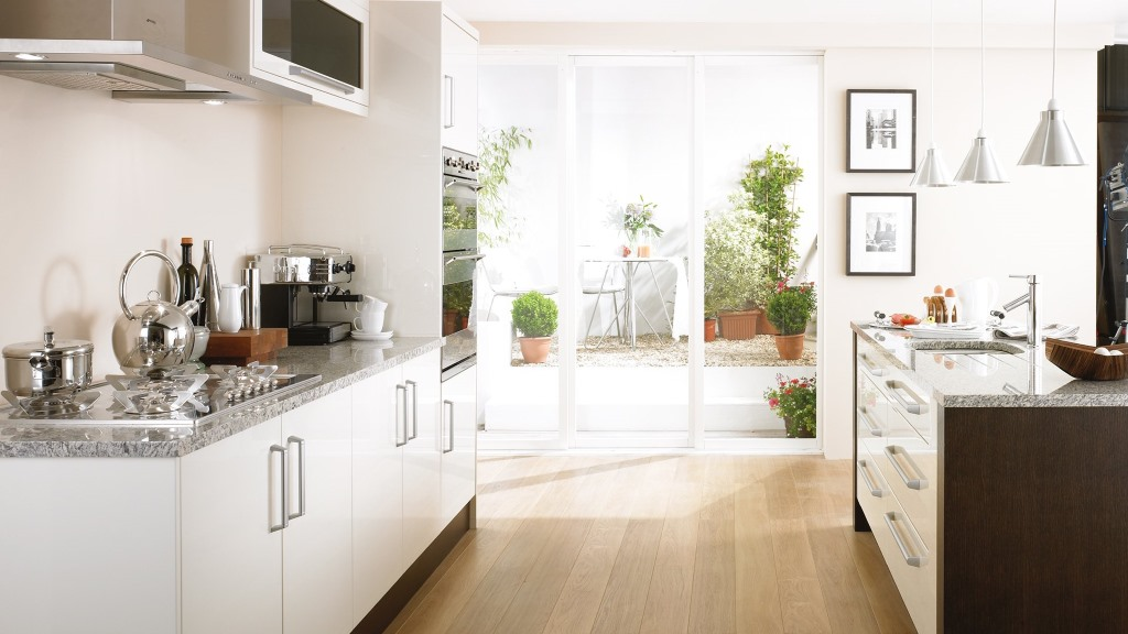 Haddington cream high gloss kitchen