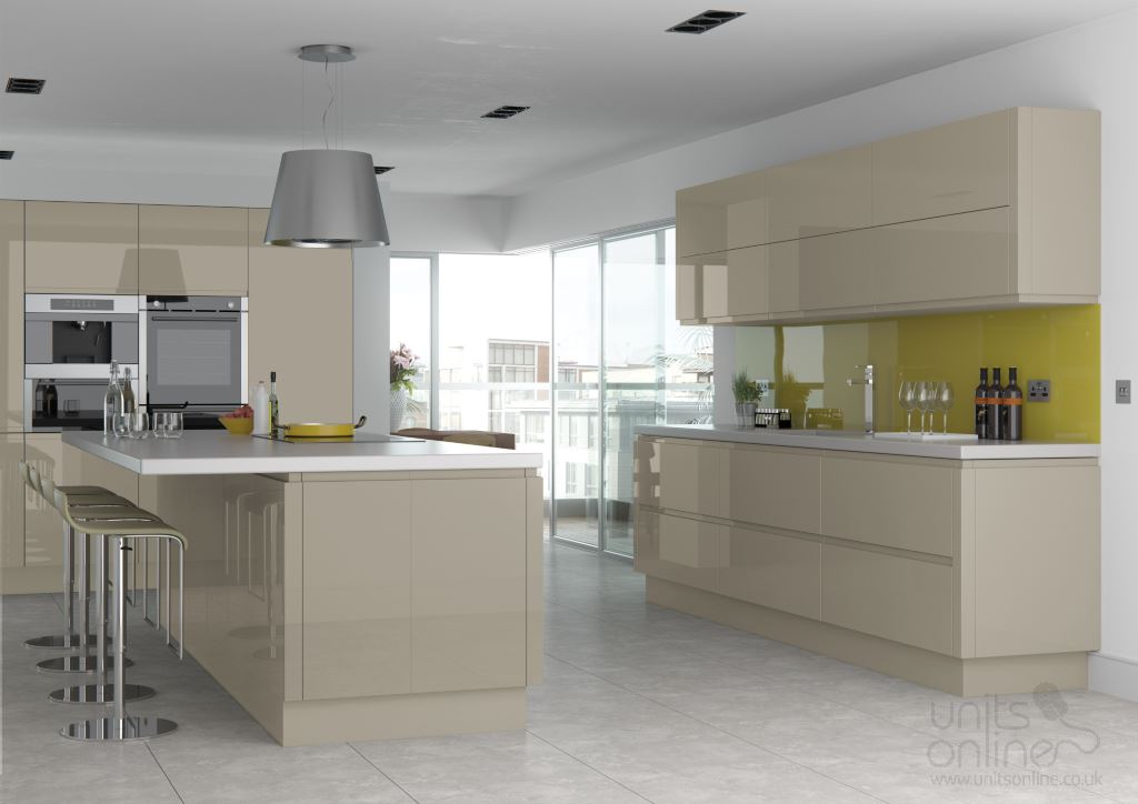 Lucente gloss pavilion handleless kitchen