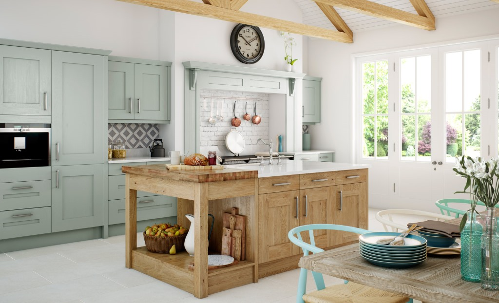 Clonmel knotty oak and painted shaker kitchen