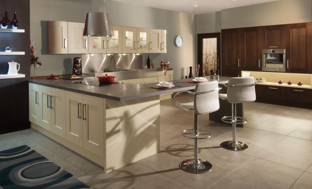 Clonmel painted shaker kitchen