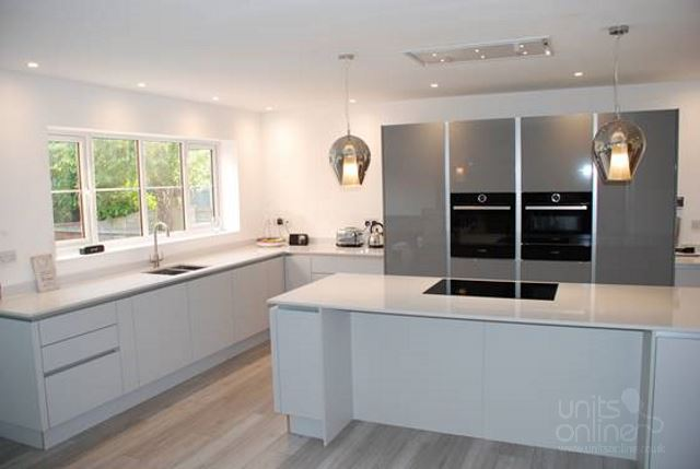 Shaker kitchens from Units Online