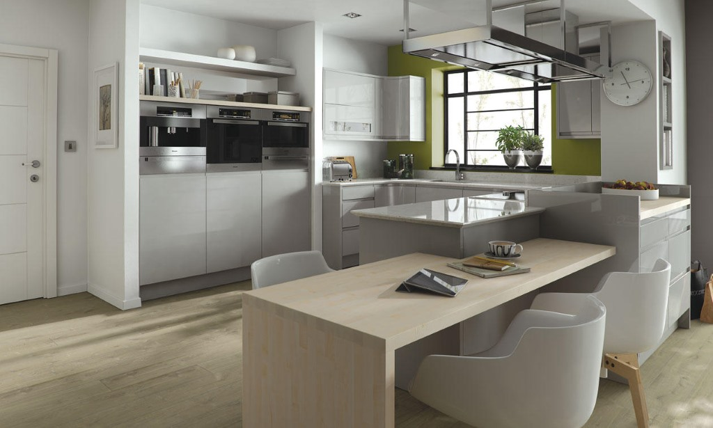 Remo matt dove grey handleless kitchen from Second Nature