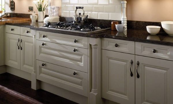 Classic kitchens from Units Online